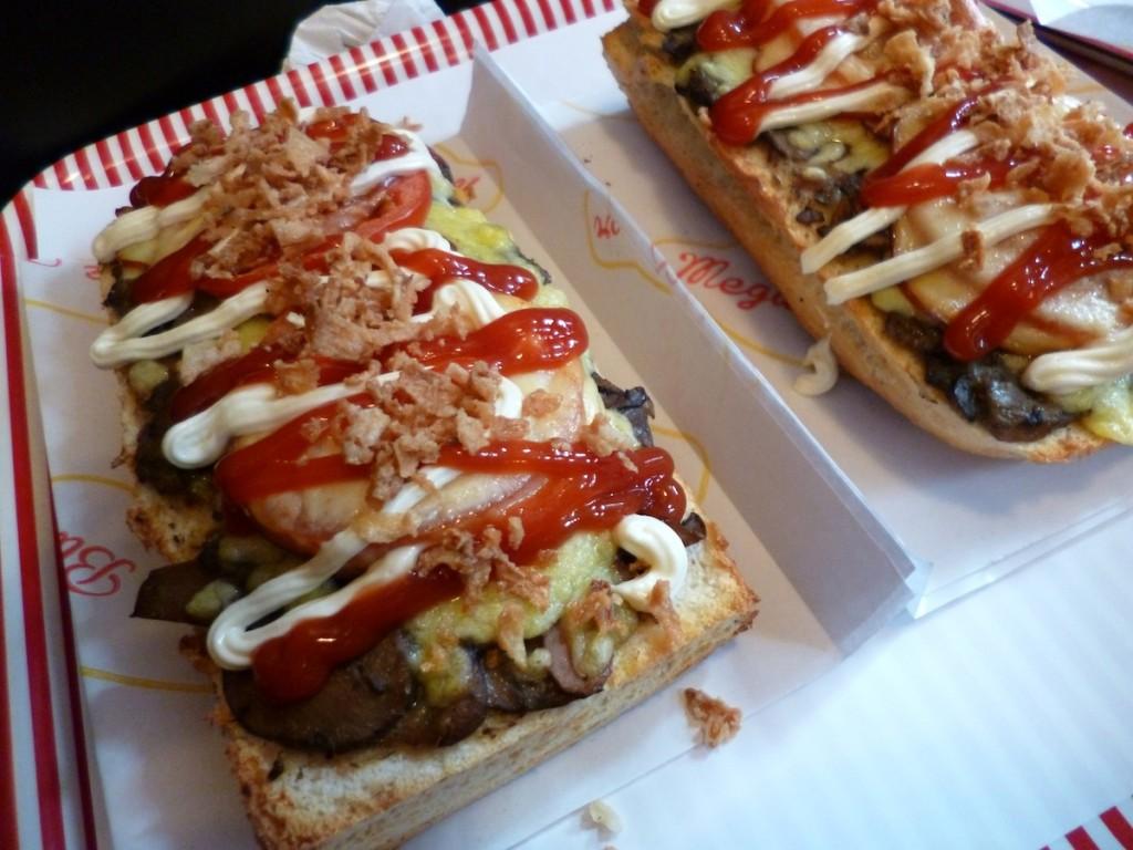 Genialna zapiekanka i hamburger, który rozczarował, czyli Mega Burger