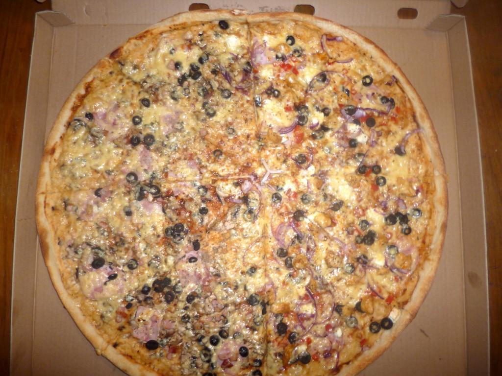 Duża, tania lecz przeciętna – pizza z Soprano
