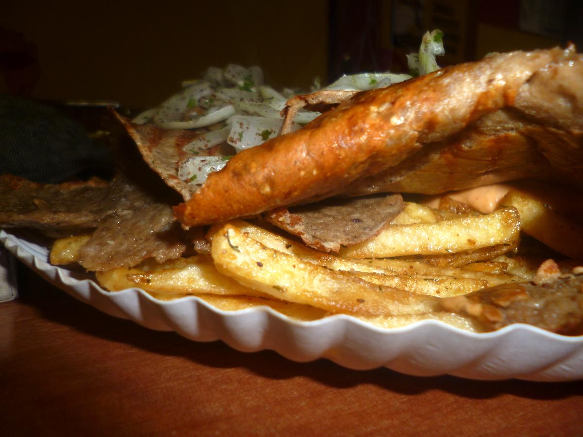 Kebab na frytkach – alternatywa dla schabowego z ziemniakami? Część 1