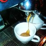 Życie jest za krótkie, by pić byle jaką kawę, czyli jak Qń dostał KOFEINOWGO KOPNIAKA