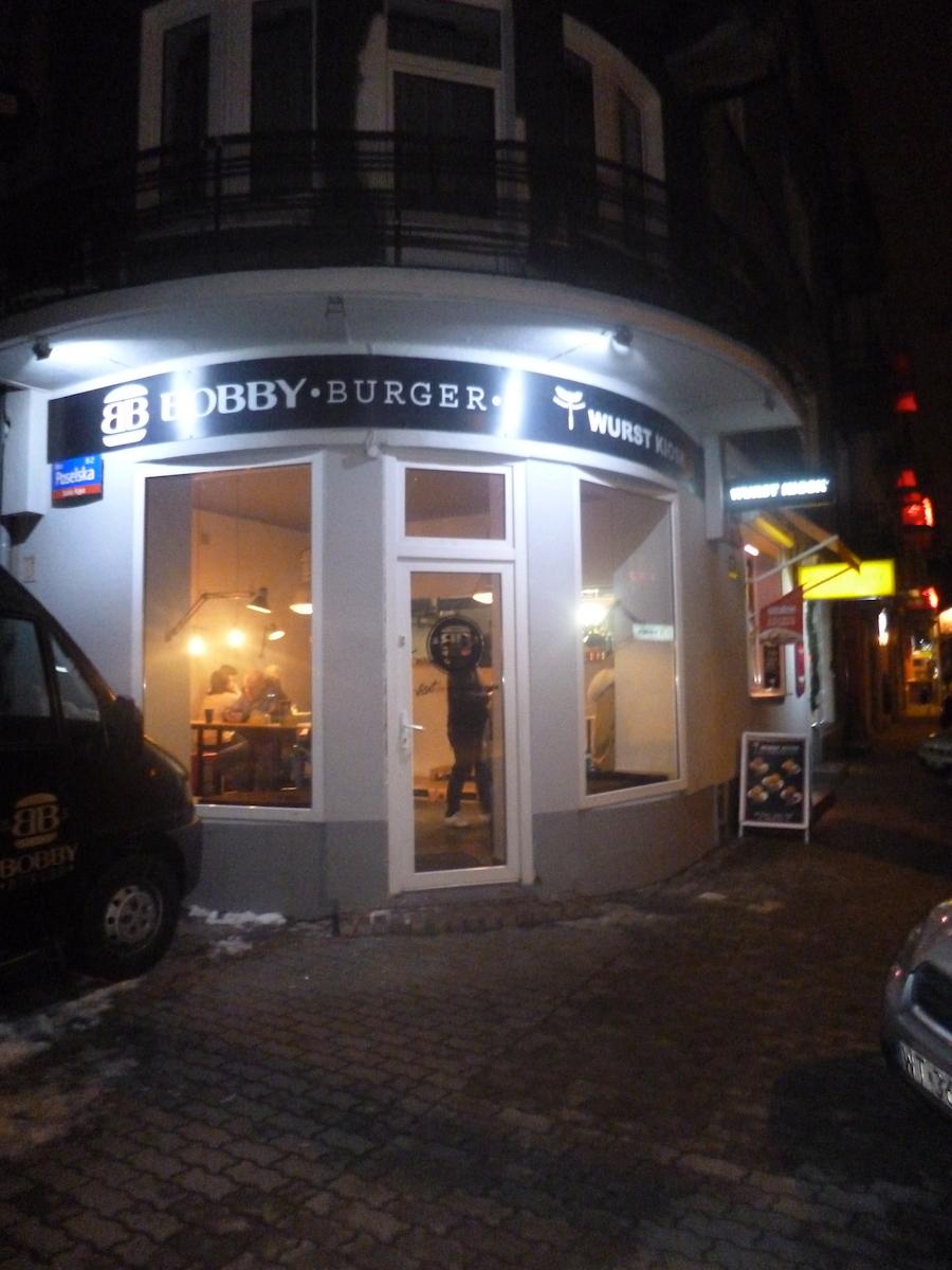 Gorączka sobotniej nocy, czyli U Romana, Wurst Kiosk-Bobby Burger i Meta Disco