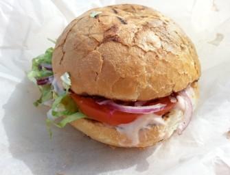 Nowe miejsce, ta sama jakość, czyli Krakowski Grillowany Burger