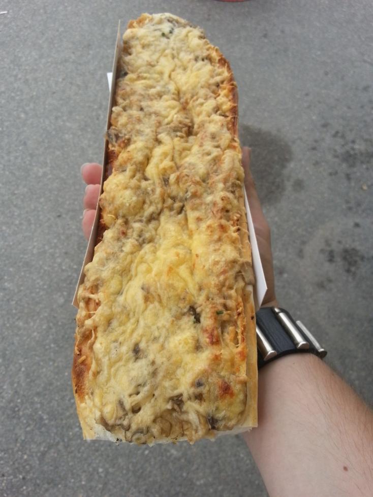 http://streetfoodpolska.pl/web/wp-content/uploads/2014/06/zapiekanka.jpg