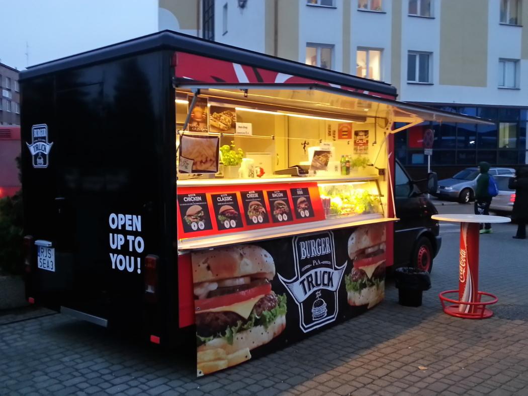 http://streetfoodpolska.pl/web/wp-content/uploads/2014/11/20141118_152935_LLS-1050x787.jpg