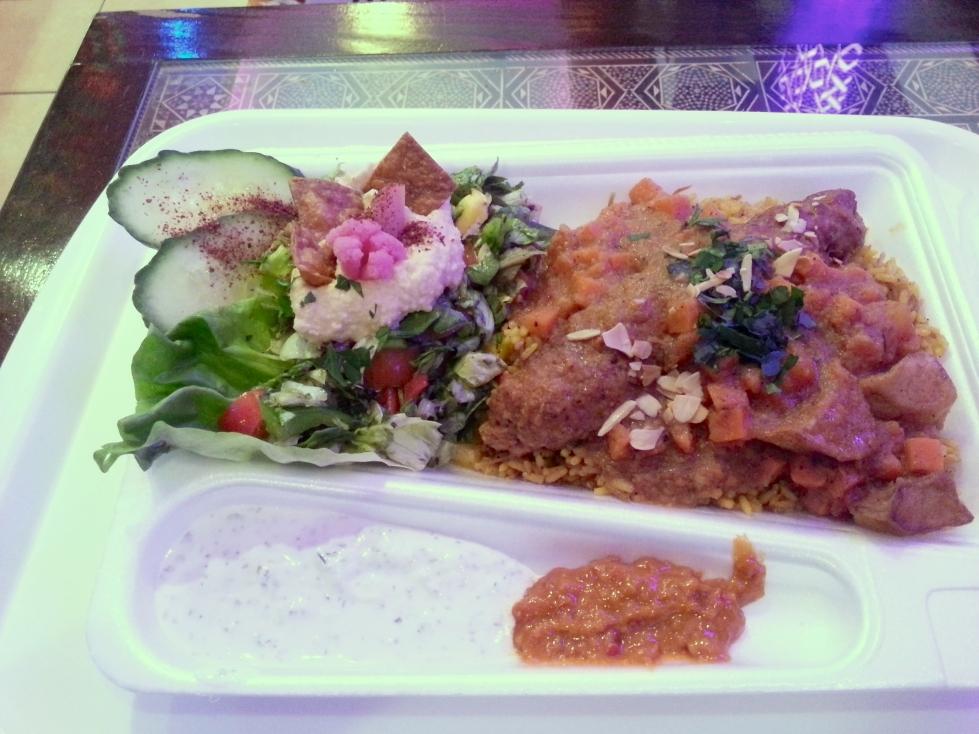 http://streetfoodpolska.pl/web/wp-content/uploads/2015/01/shish-kebab-zestaw.jpg