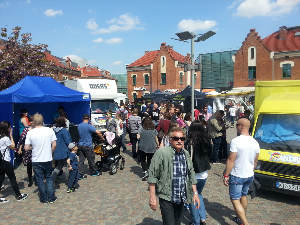 http://streetfoodpolska.pl/web/wp-content/uploads/2015/05/20150503_121553-1050x788.jpg