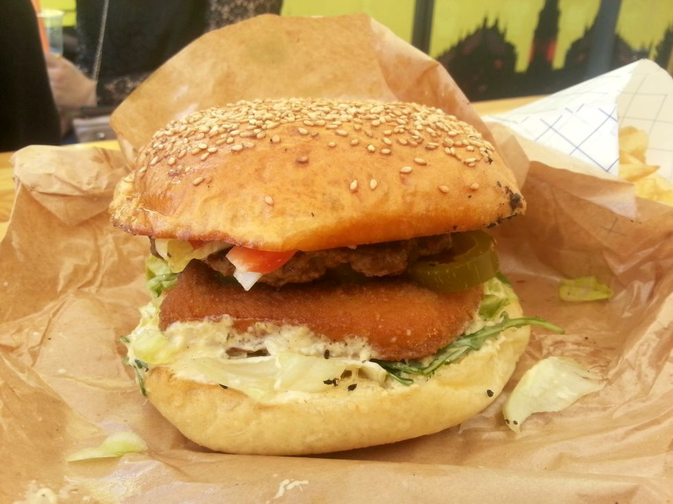 burger ze smażonym serem beef brothers