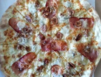 Speck, figi i orzechy – pyszna pizza z Kilo Mąki