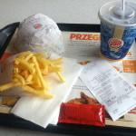 Fastowe jedzenie na trasie – pierożki, hot dogi, kebab i burger