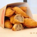 Burgery, frytki, kanapki, a może pierogi? Manufaktura Krakowska Food Truck