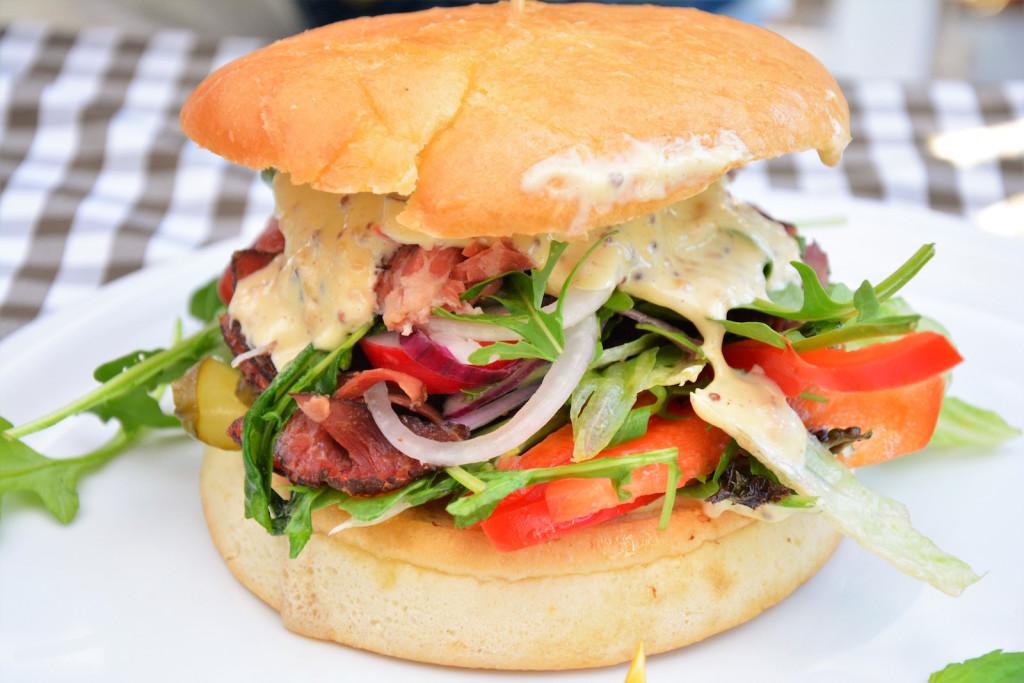 burger pastrami