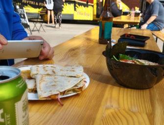Food trucki pod Galerią Łódzką – relacja podwójna