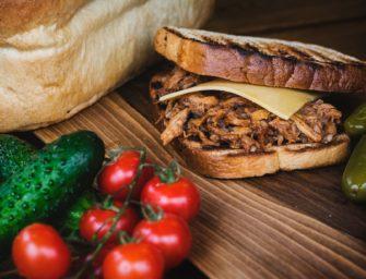 Roast Toast – nowy food truck i nowości w Momo Smak
