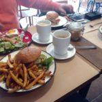 Arek w Kielcach, czyli wspólna konsumpcja w Burger&Co.