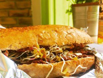 Pyszny klasyczny street food, czyli Długa Buła w Toruniu