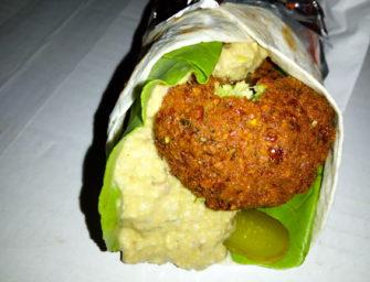 Bagieta, falafel i wurst, czyli food trucki na Unsound