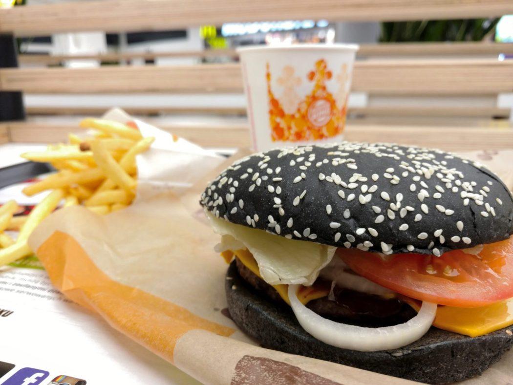 http://streetfoodpolska.pl/web/wp-content/uploads/2017/10/Tank-Burger-Limitowany-w-Burger-King-1050x788.jpg
