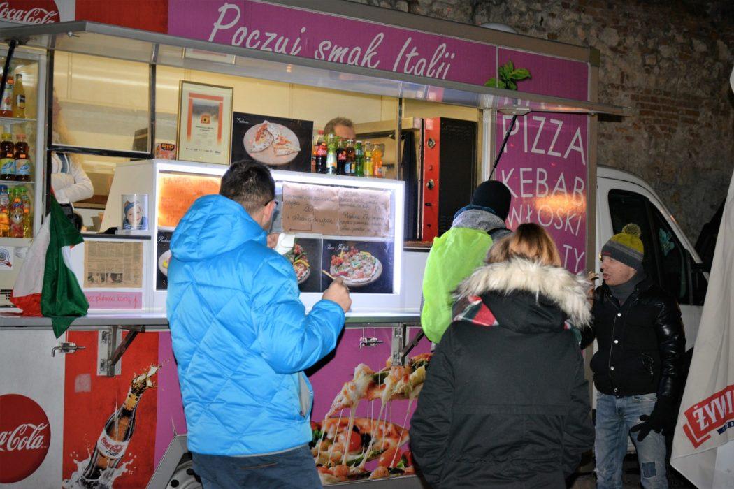 http://streetfoodpolska.pl/web/wp-content/uploads/2017/12/DSC_1752-1050x700.jpg